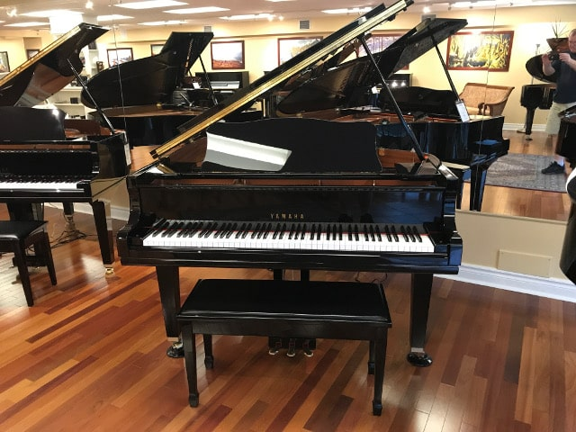 GC1M Yamaha grand piano